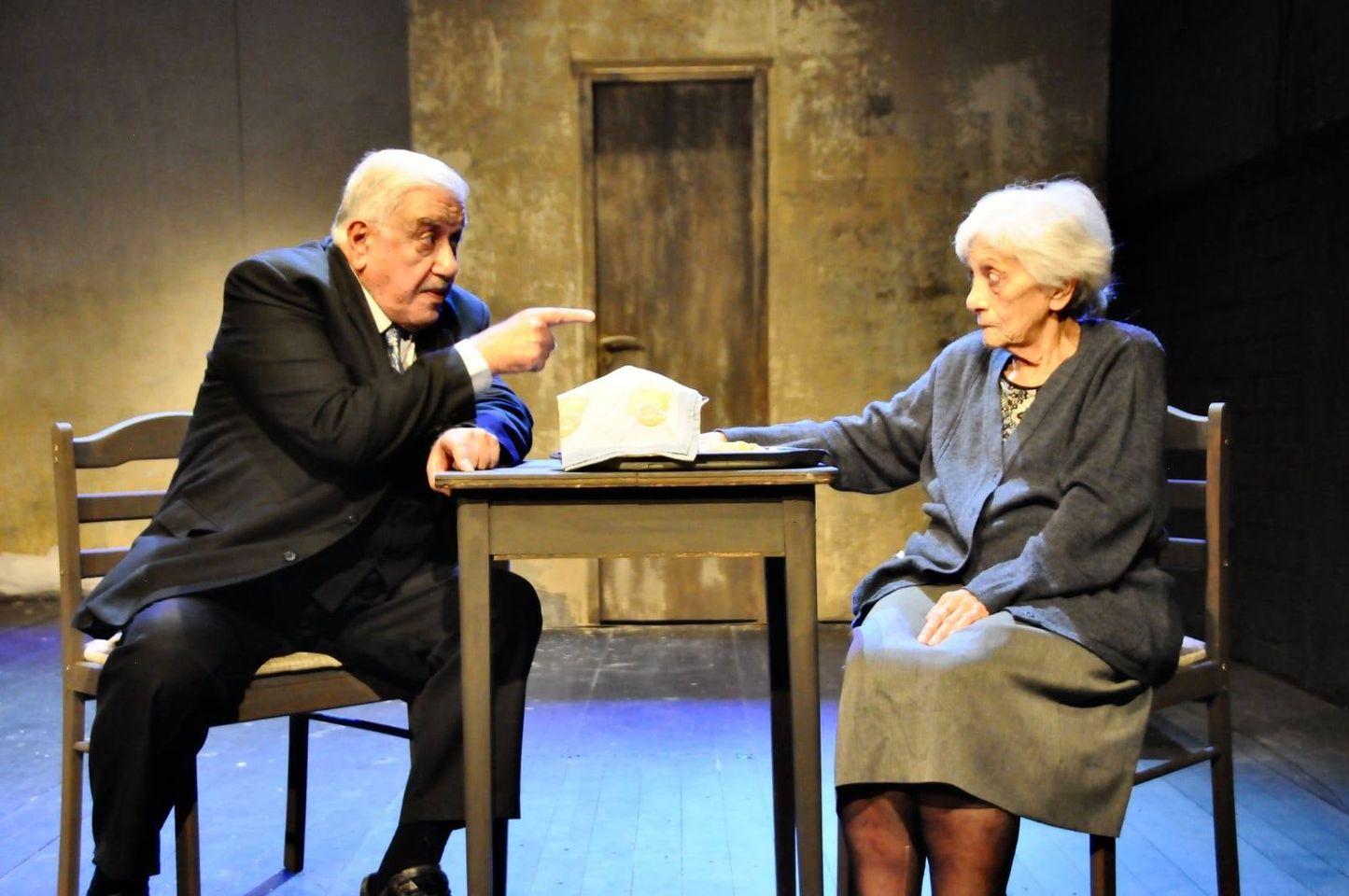 Η θεατρική παράσταση «Ποτέ πια!…Ώρα καλή!…» στη Λάρνακα σε σκηνοθεσία Δέσποινας Μπεμπεδέλη