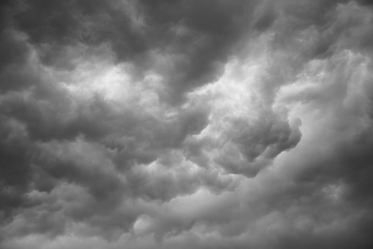 Πτώση θερμοκρασίας και μεμονωμένες βροχές στο σκηνικό του καιρού
