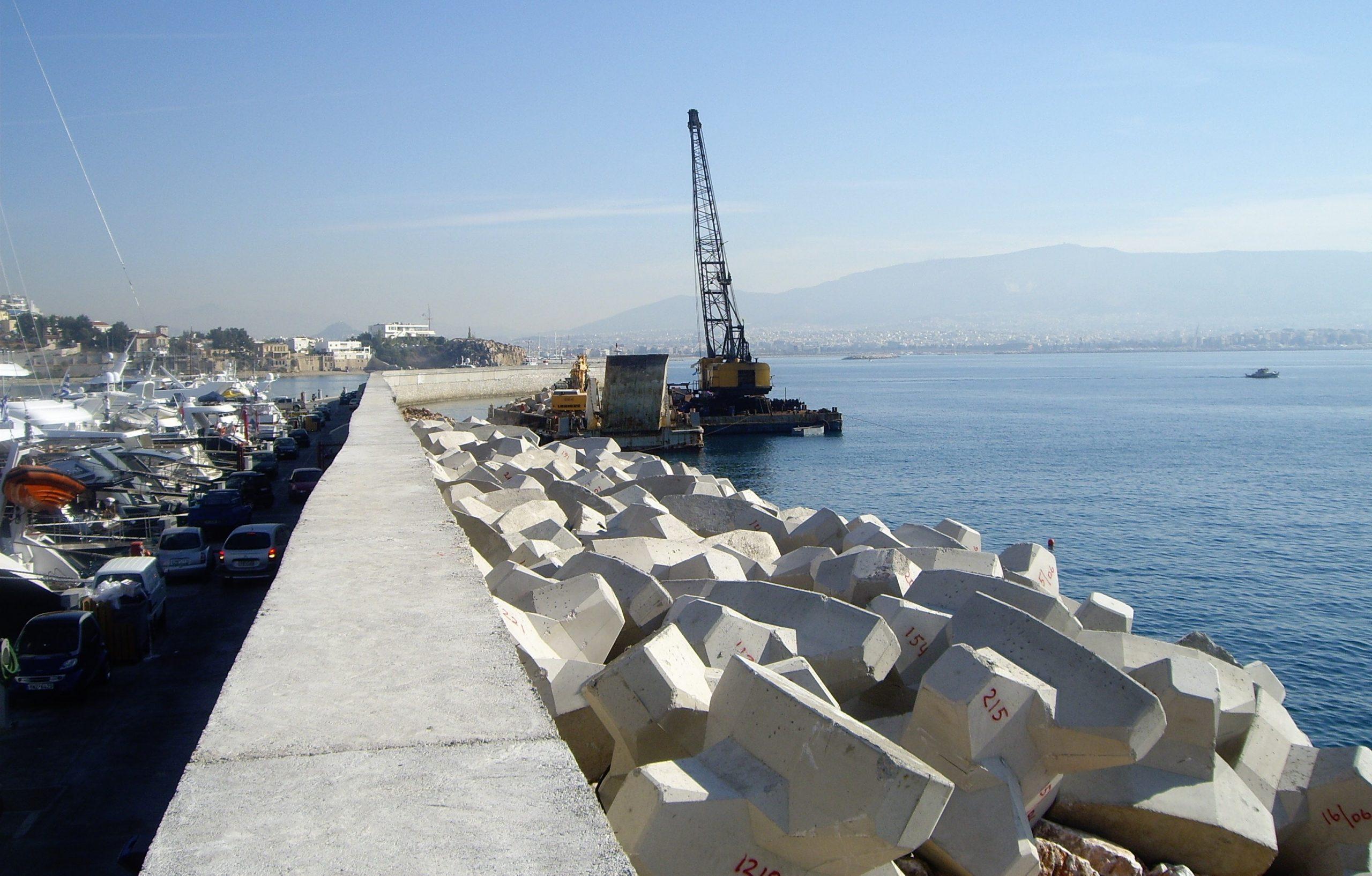 Αρχίζει τον Νοέμβριο οι κατασκευή εννέα κυματοθραυστών στα Περβόλια – Υπεγράφησαν τα συμβόλαια