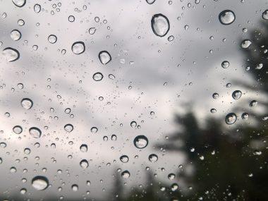 rain-drops-on-window-1827098_1920