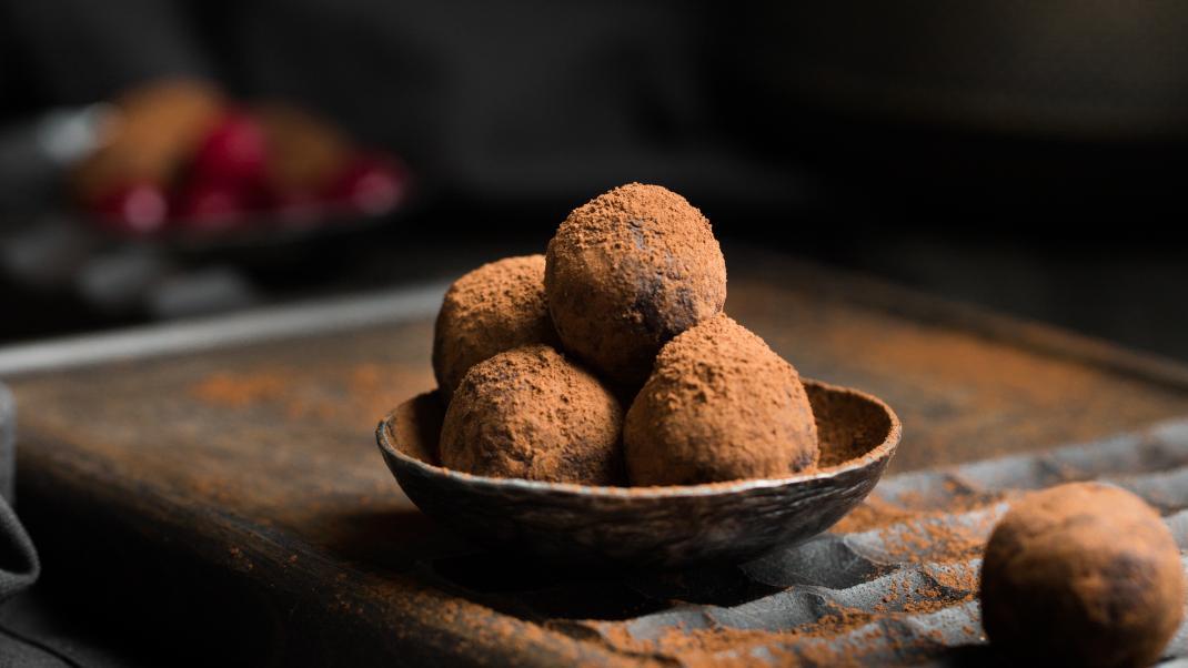 Σοκολατάκια με 2 μόλις υλικά -Για όσους αγαπούν τη γεύση της καρύδας