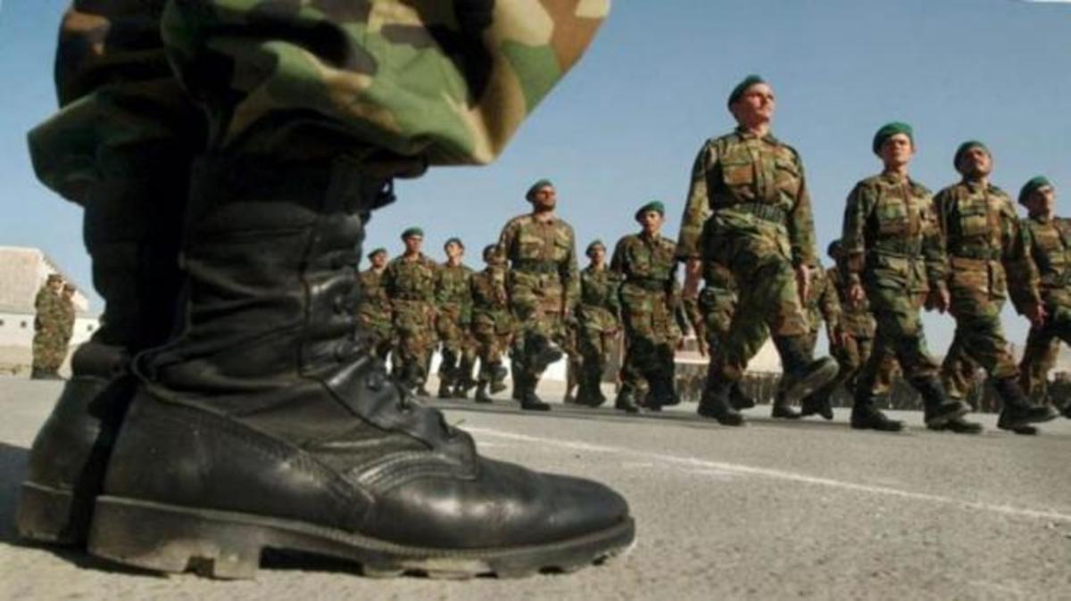 Ανεμβολίαστο το 42% των στρατιωτών: Αυξήθηκαν σε 37 τα κρούσματα κορωνοϊού